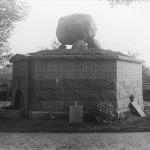 <!--:da-->Ældre foto af det danske mindesmærke<!--:--> <!--:de-->Älteres Foto des dänischen Denkmals.<!--:--> <!--:en-->Old photo of the Danish memorial.<!--:-->