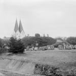 <!--:da-->Mindesmærket for de faldne, Broager Kirkegård<!--:--> <!--:de-->Denkmal für die Gefallenen, Friedhof Broacker.<!--:--> <!--:en-->Memorial to the fallen, Broager churchyard.<!--:-->