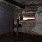 <!--:da-->Det indre af granatmagasinet, Andholm Batteri.<!--:--> <!--:de-->Innenansicht Granatendepot, Batterie Andholm.<!--:--> <!--:en-->Interior of the shell magazine, Andholm Battery.<!--:-->
