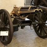 <!--:da-->37 mm revolverkanon på mobilaffutage, Tøjhusmuseet.<!--:--> <!--:de-->37 mm Revolverkanone auf Feld-Lafette, Zeughausmuseum.<!--:--> <!--:en-->37 mm revolving cannon on a field mount, Royal Danish Arsenal Museum.<!--:-->
