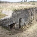 <!--:da-->Maskingeværbunker, Kalby Skov.<!--:--> <!--:de-->Maschinengewehrbunker, Kalby Holz.<!--:--> <!--:en-->Machine gun bunker, Kalby Woods.<!--:-->