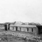 <!--:da-->Mandskabbunkeren, Årøsund batteriet 1921.<!--:--> <!--:de-->Mannschaftsbunker, Aarösund Batterie 1921.<!--:--> <!--:en-->Personnel bunker, Årøsund battery 1921.<!--:-->