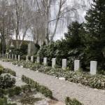 <!--:da-->Krigsfangegravene på Tinglev Kirkegård<!--:--> <!--:de-->Kriegsgefangenengräber auf dem Friedhof Tingleff.<!--:--> <!--:en-->POW graves at Tinglev Churchyard.<!--:-->