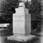 <!--:da-->Ældre foto af det tyske mindesmærke<!--:--> <!--:de-->Älteres Foto des deutschen Denkmals.<!--:--> <!--:en-->Older photo of the German memorial.<!--:-->