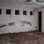 <!--:da-->Det indre af mandskabsbunker, Andholm Batteri.<!--:--> <!--:de-->Innenansicht des Mannschaftsbunkers, Batterie Andholm.<!--:--> <!--:en-->Interior of the personnel bunker, Andholm Battery.<!--:-->