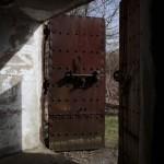 <!--:da-->Jernporten til skytsrummet, Arrild flankeringsbunker.<!--:--> <!--:de-->Eisenpforte für Geschützraum, Flankenbunker Arrild.<!--:--> <!--:en-->Iron door of the firing room, Arrild flanking bunker.<!--:-->
