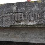 <!--:da-->Nærbillede af pionerbroens indskrift: Ers.Pioner Komp. 10.<!--:--> <!--:de-->Nahaufnahme der Inschrift der Pionierbrücke: Ers. Pionier Komp. 10.<!--:--> <!--:en-->Close-up of the inscription on the bridge: Ers.Pioner Komp. 10.<!--:-->
